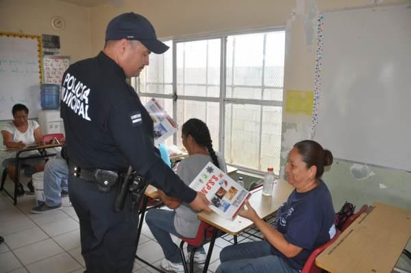 2014-11-08-policia-comunitaria (5)