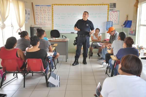 2014-11-08-policia-comunitaria (6)