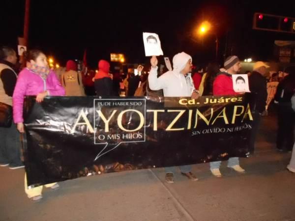 2014-11-12-performance-ayotzinapa (11)