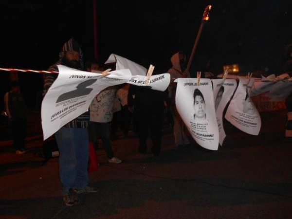 2014-11-12-performance-ayotzinapa (21)