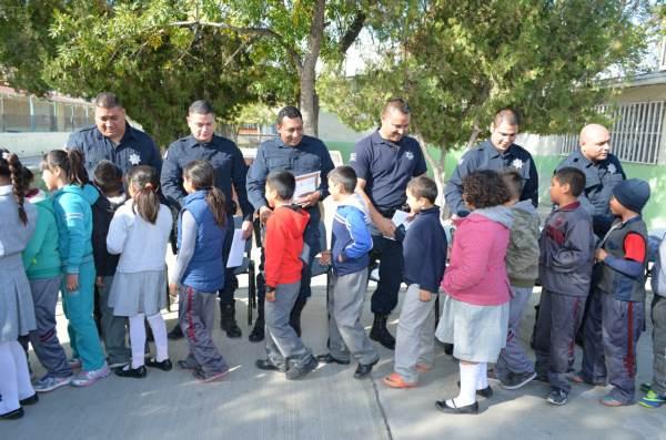 2014-11-22-policias-municipales-reconocimiento (2)