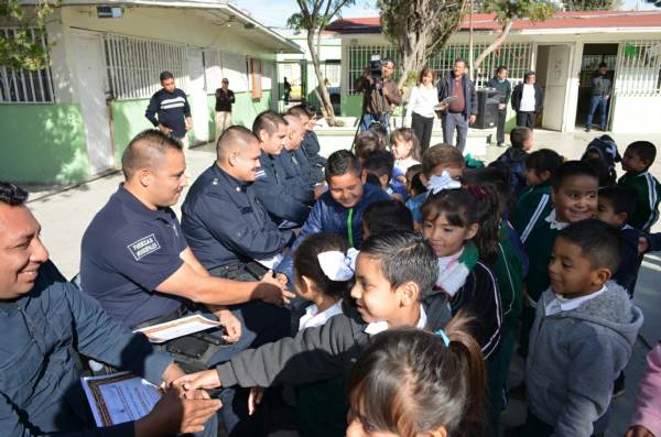 2014-11-22-policias-municipales-reconocimiento (5)