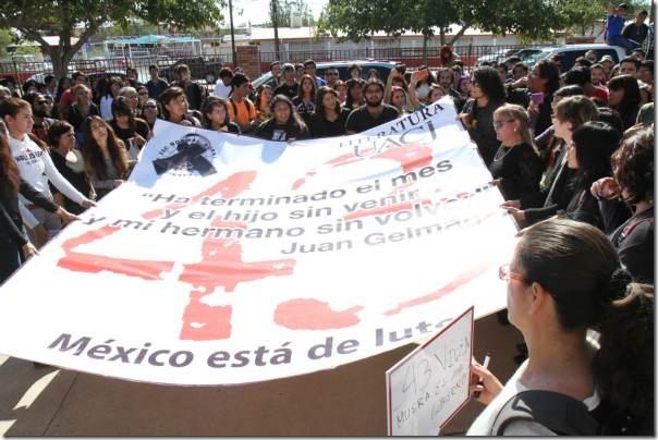 2014-11-11-uacj-con-ayotzinapa (1)