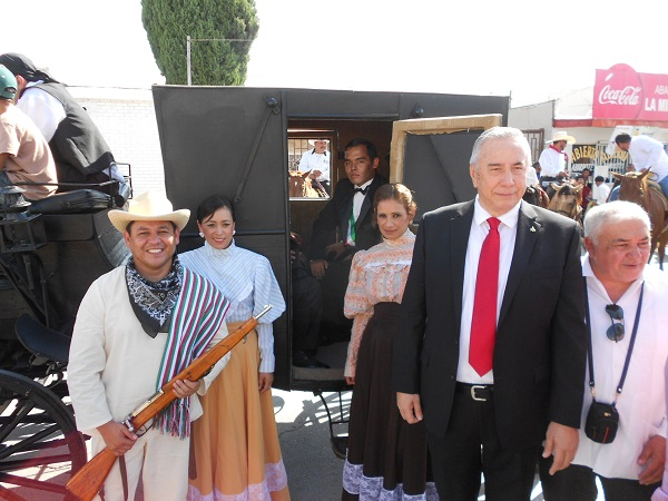 2015-08-14-llegada-benito-juarez-150-aniv (2)