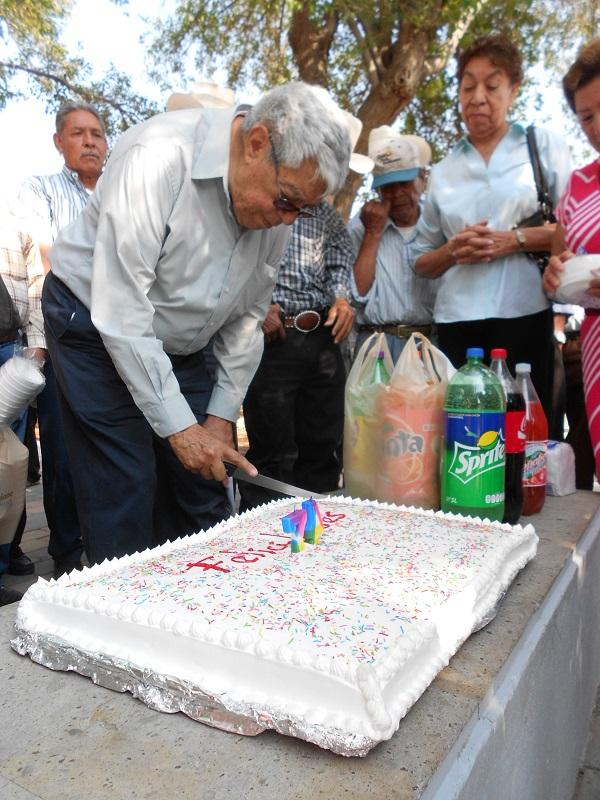 2015-08-30-cumpleaños-profe-robles (2)