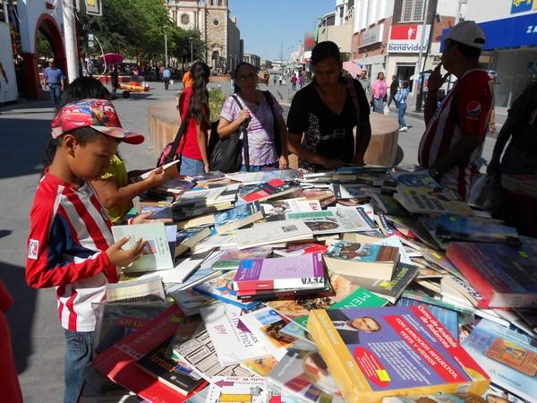 205-09-27-feria-libros-centro (16)