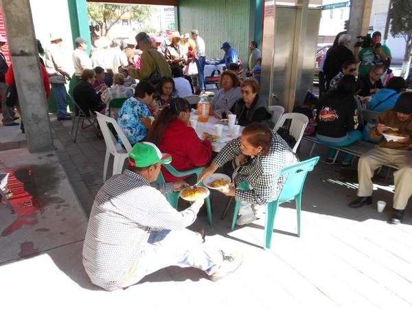 2015-10-20-braceros-paella (16)