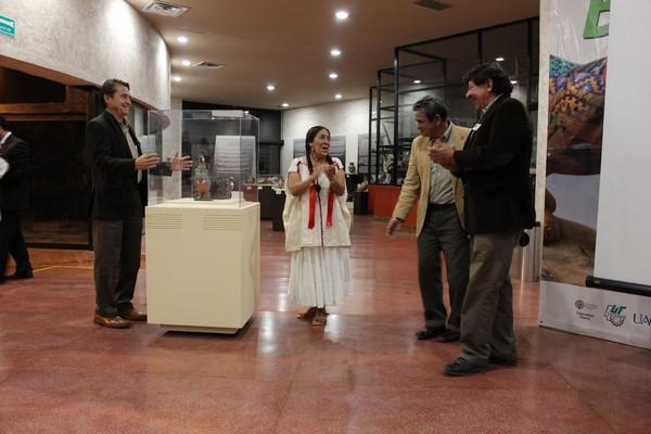 2015-10-24-guacamaya-ceramista-julian (5)