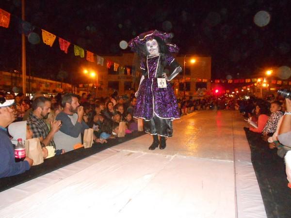 2015-11-04-pasarela-catrinas (4)