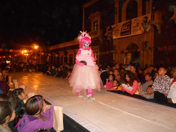 2015-11-04-pasarela-catrinas (9)