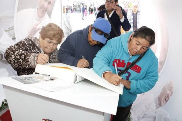 2015-11-22-juarez-es-amor-mensajes-papa (12)
