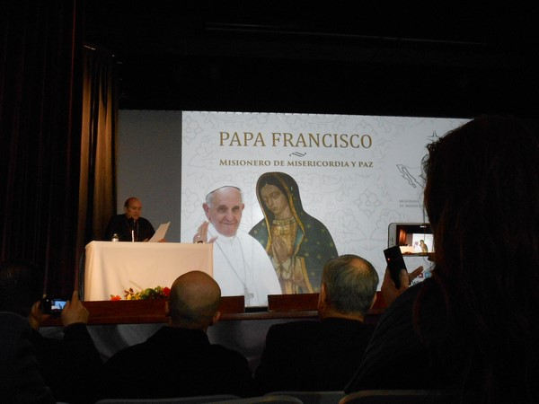 2015-12-12-visita-papa-anuncio (1)
