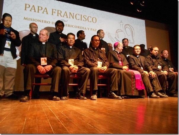 2015-12-12-visita-papa-anuncio (3)