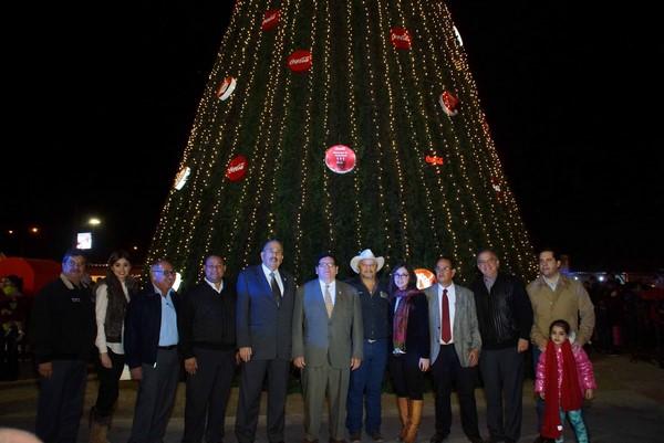 2015-12-09-caravana-y-arbol-navideño (3)