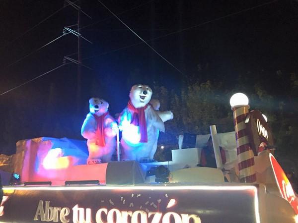 2015-12-09-caravana-y-arbol-navideño (4)