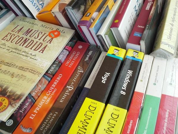 2016-04-03-tianguis-libros (4)