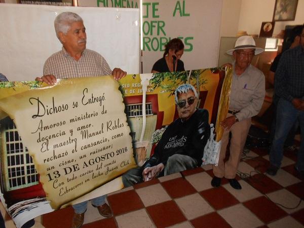 2016-08-13-profe-robles-homenaje (3)