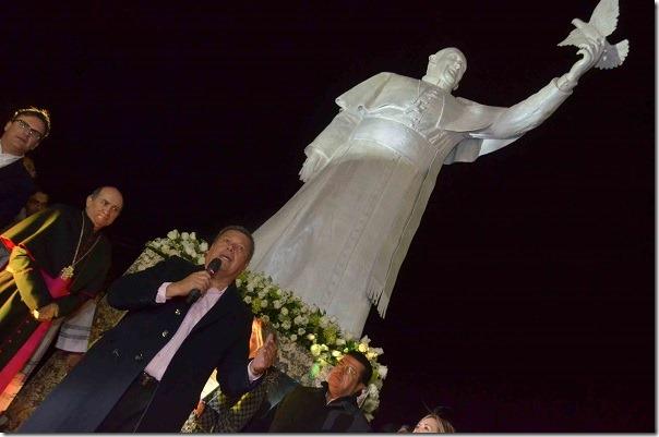 2017-02-18-francisco-estatua-devel