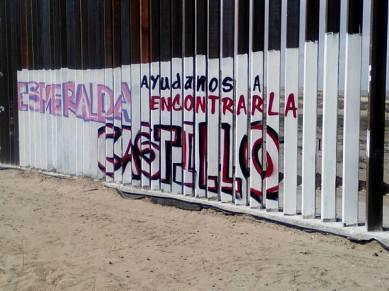 2017-02-27-accion-en-muro-fronterizo-21