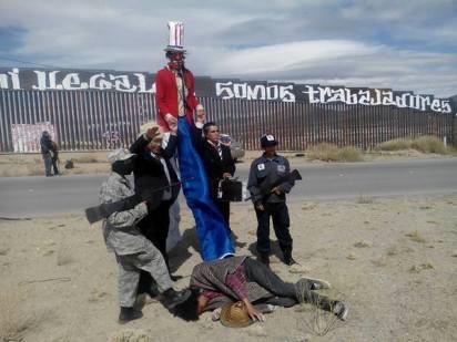 2017-02-27-accion-en-muro-fronterizo-8