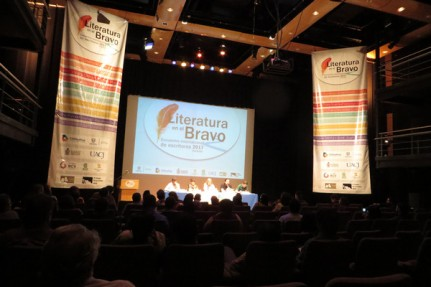 2017-03-11-literatura-bravo-jimmy-santiago-baca (1)
