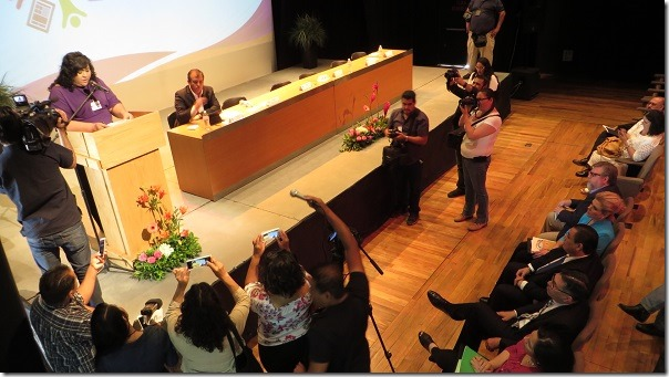 2017-05-26-periodistas-foro-congreso (2)